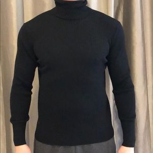 Men's soft wool turtleneck sweater